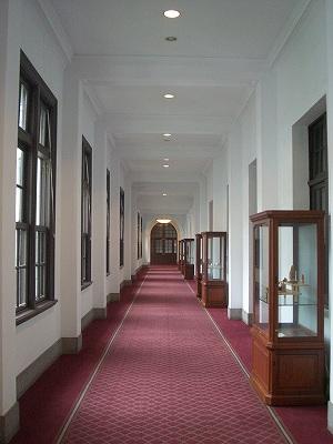 質素だが美しい廊下
