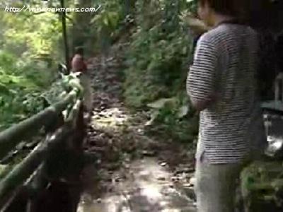 NOWnews.com 淤沙嚴重惡水未退 廬山滿目瘡痍(2008/09/17 15:14)